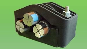 Кабельные хомуты для крепления трёх кабелей